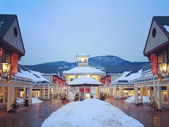 The outlets and variety of stores you will find in North Conway NH Shopping is one of the many amazing things about the town of North Conway NH in the White Mountain National Forest and Mount Washington Valley.