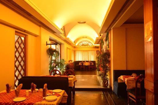 Sarjaa Restaurant & Bar : Interior of the rstaurant