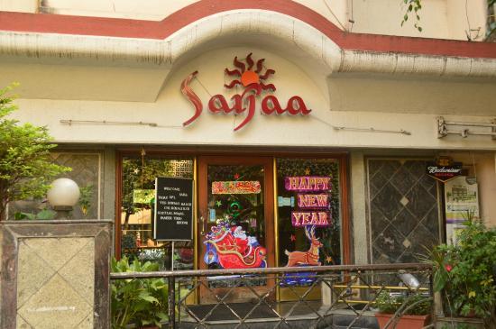 Sarjaa Restaurant & Bar : Entry to the restaurant