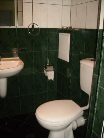 Hostel Lavele: baño