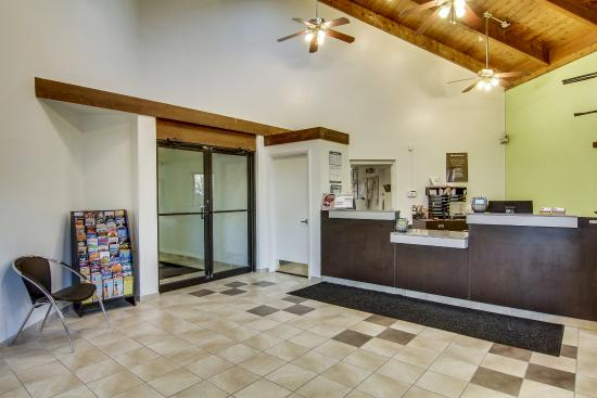 Studio 6 Jacksonville - Baymeadows: Lobby