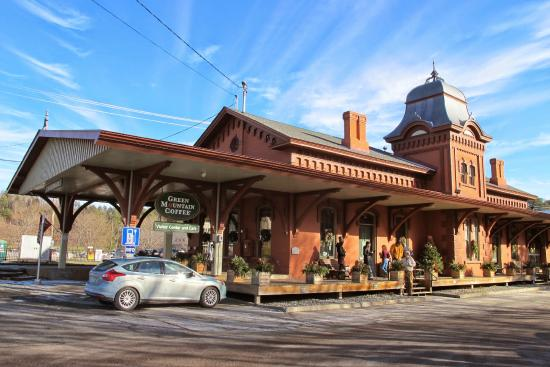 Green Mountain Coffee Cafe & Visitor Center: Green Mountian Coffee at Train Station