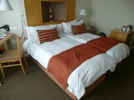 Protea Hotel by Marriott Knysna Quays: Zimmer mit Einzelbetten