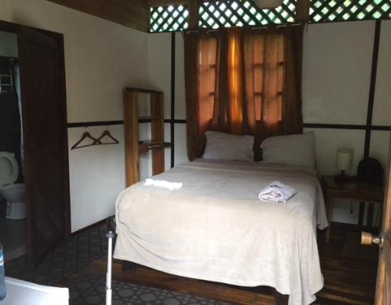 Lizard King Hotel Resort: Bedroom Number 6 (lucky number) ground floor