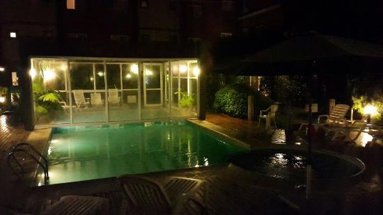Valeria House: Area de piscina