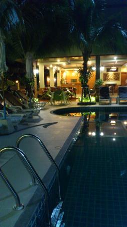 Baan Sailom Hotel: Pool
