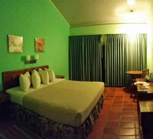 Grafton Beach Resort: room