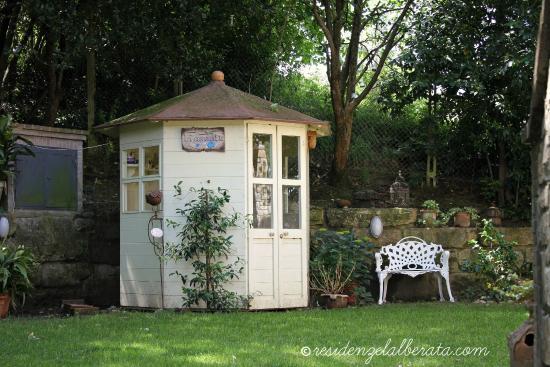 Residenze L'Alberata: La Casa del Tè in Giardino