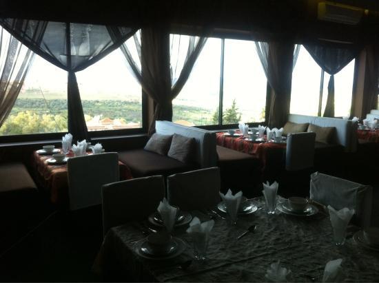 Restaurant Belle Vue: Un paysage splendide pour vous faire voyager pendant vos repas