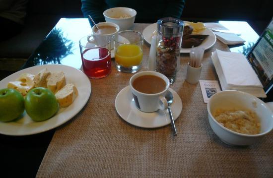 Fiolet: завтрак