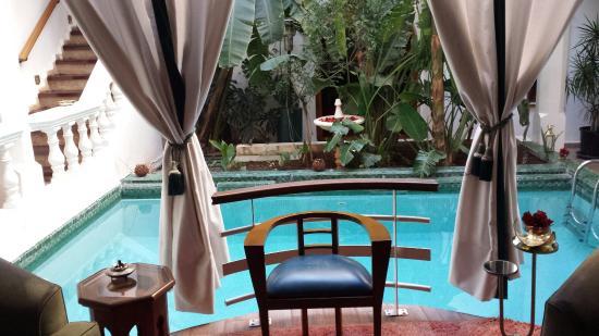 Riad Moucharabieh: pool