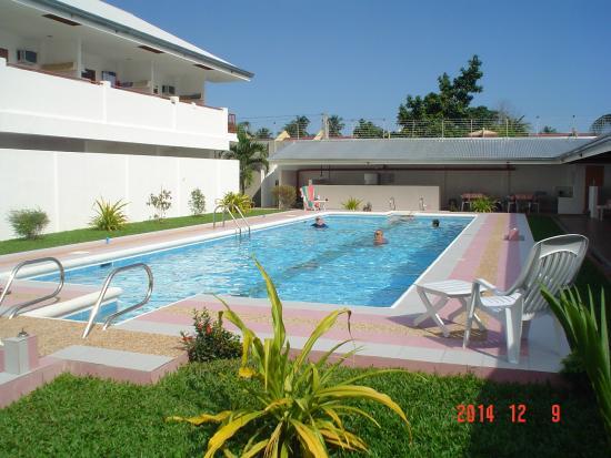 Dumaguete Studio Apartments : pool