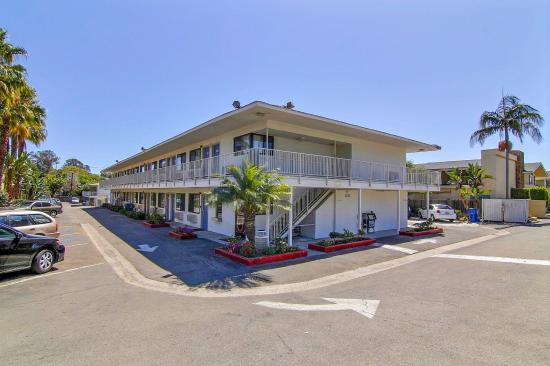 Motel 6 Santa Barbara - State Street: Exterior