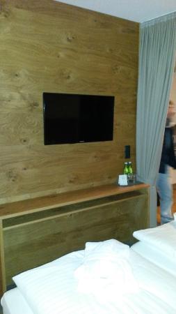 Hotel Alpenleben: Tv-wand