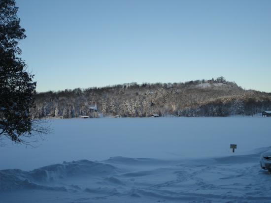 Cedar Grove Lodge: The view from our cottage