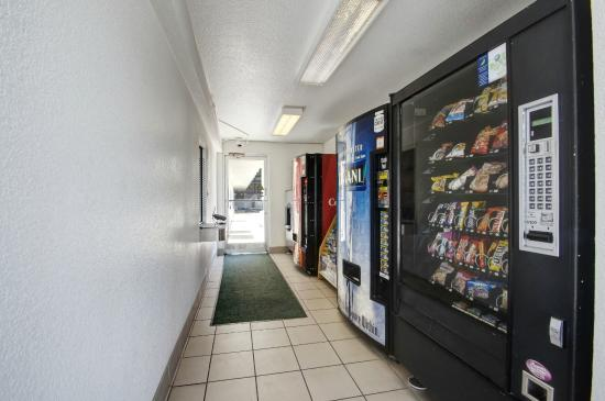 Motel 6 Salt Lake City Downtown: Vending