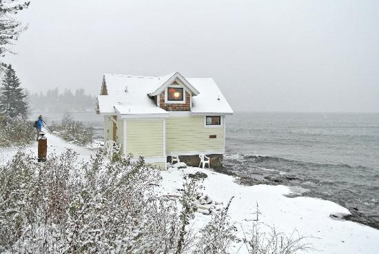 Grand Superior Lodge: Beach House by DRG