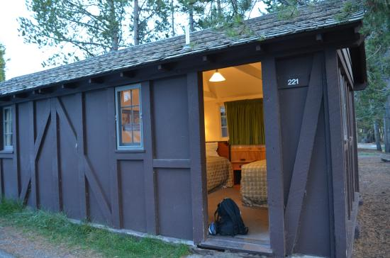 Budget Cabin With 2 Double Beds Picture Of Old Faithful