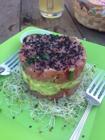 El Roots Cafe: 1/2 tuna tower, perfect for a appie for 2 or light meal for one