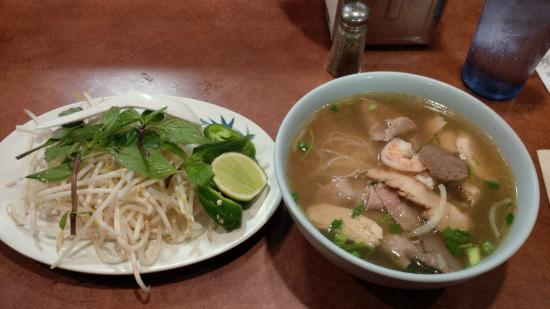 Noodle Bar: My combo Pho