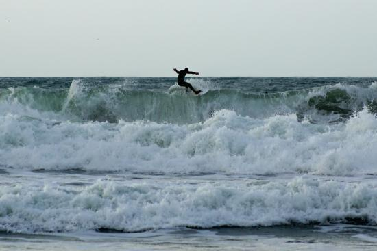 Pencuke Farm Holidays: Surfers at Widemouth Beach