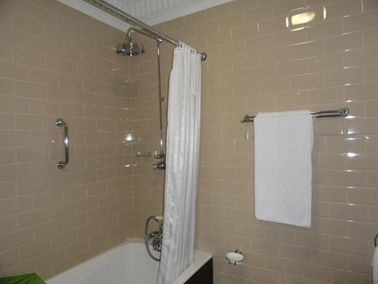 Langton House Hotel: il bagno con il bidet...!!!
