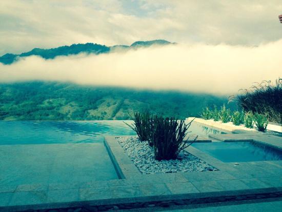 Dosquebradas, Colombia: piscina y jacuzzi