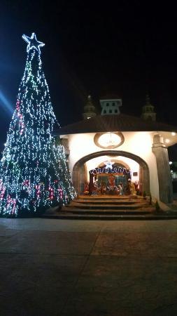 Hotel Arcos del Parque: Muy céntrico, bonito y cómodo para salir a caminar por la noche