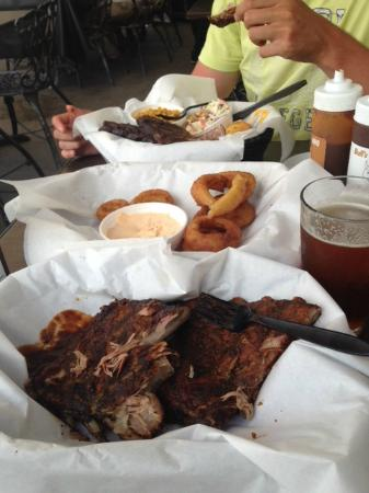 Bulls Smokin' BBQ: full rack ribs