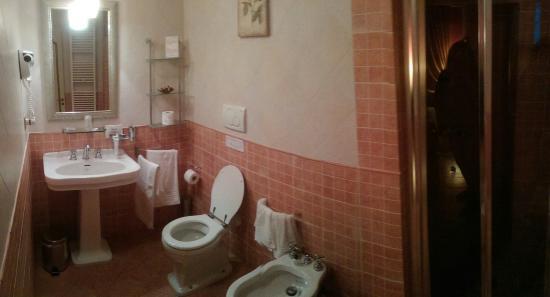 Relais San Lorenzo: Bagno camera matrimoniale 'Tosca'