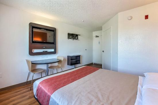 Motel 6 Gilroy: Guest Room