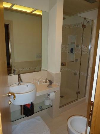 Hotel San Lorenzo: Bagno con doccia