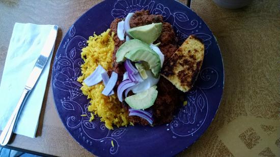Moon Dog Cafe: Turkey chili with saffron rice, toasted corn bread