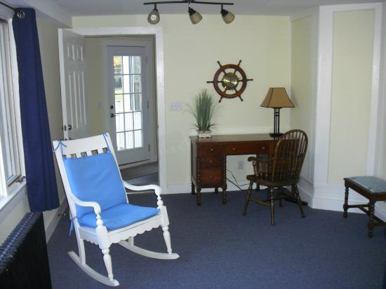Captain Bell House Bed Breakfast Captains Quarters Living Room Office Nook