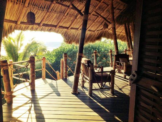 Playa Viva: Shared porch