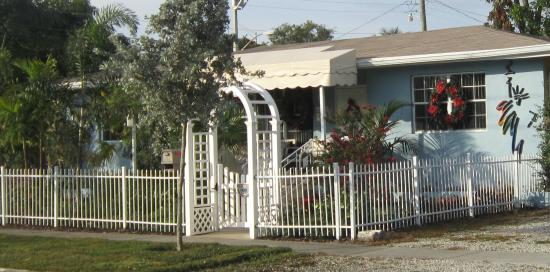 Liberty Garden Suites: Key West style Guesthouse
