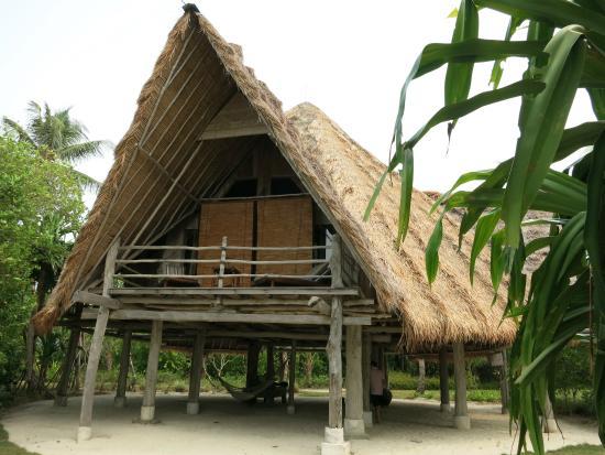 Pulau Joyo: The beach Villa