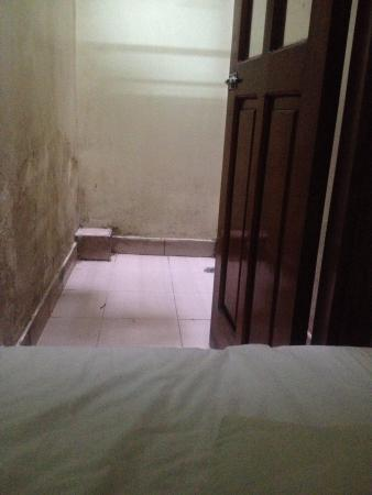 Hoa Binh Hotel: View from my bed