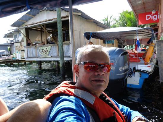 Playa Tortuga Hotel & Beach Resort : Llegando al centro de Bocas del Toro