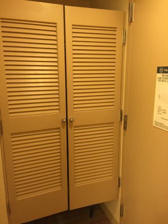 Sheraton Arlington Hotel Saloon doors to closet. & Saloon doors to closet. - Picture of Sheraton Arlington Hotel ...