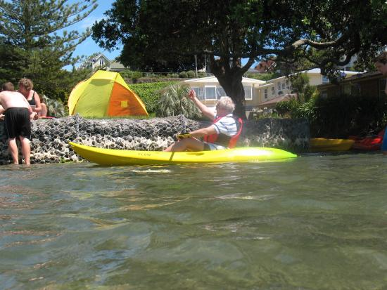 ASURE Harbour View Motel: Come and use our frree kayaks