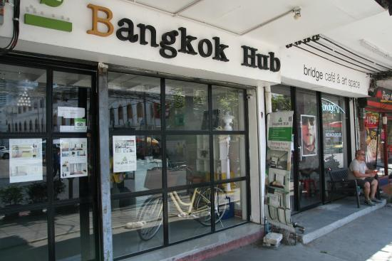 Bangkok Hub: Entry from street