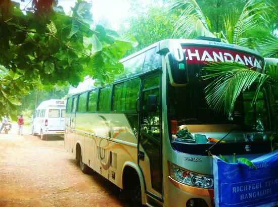 Kumta India  City new picture : Kumta, India: Buses can reach at Nirvana beach