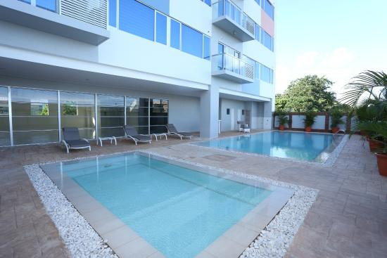 Swimming pool picture of alicia apartelle cebu city tripadvisor for Cheap hotels in cebu city with swimming pool
