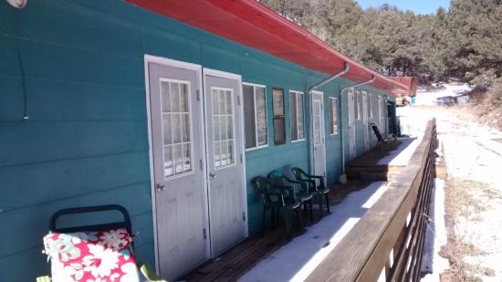 Cloudcroft Mountain Park Hostel : Front Porch