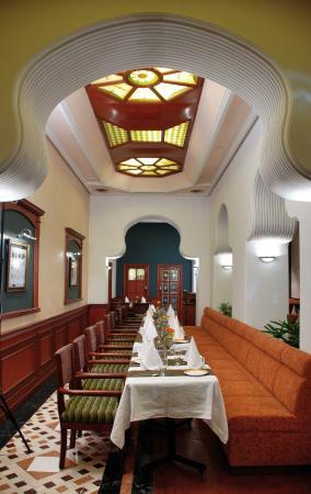 Hotel Gulmor: Saffron Restaurant