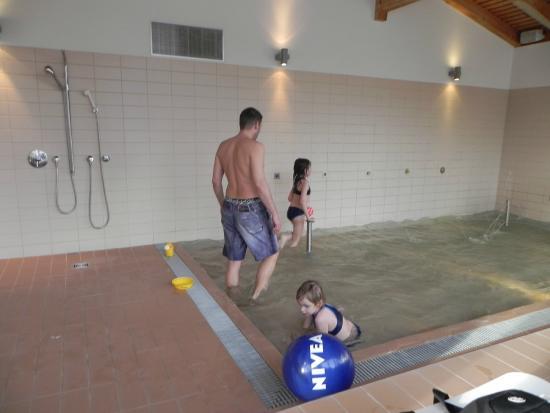 Apart- und Kinderhotel Muchetta: la piscina