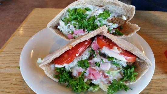 Neomonde Cafe & Market: Falafel