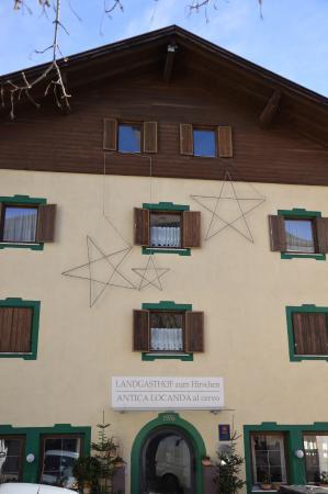 Landgasthof zum Hirschen: Facciata natalizia