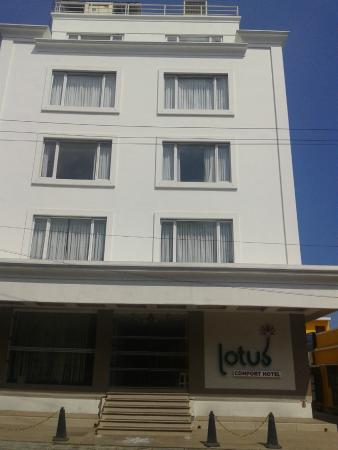 Lotus A Pondy Hotel: Front View